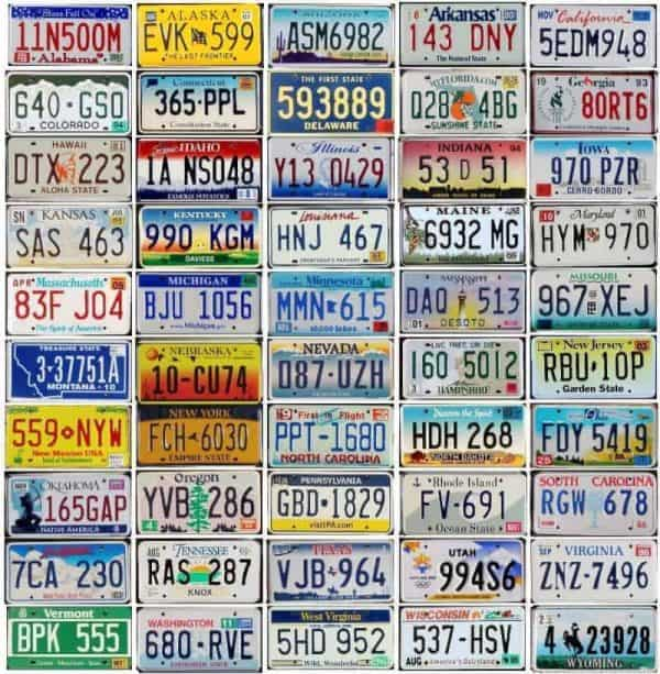 Lot de 50 plaques d'immatriculation