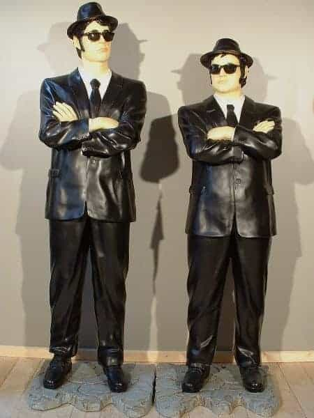 blues-brothers-debout-statue-grandeur-nature-jake-1m75-et-elwood-1m90