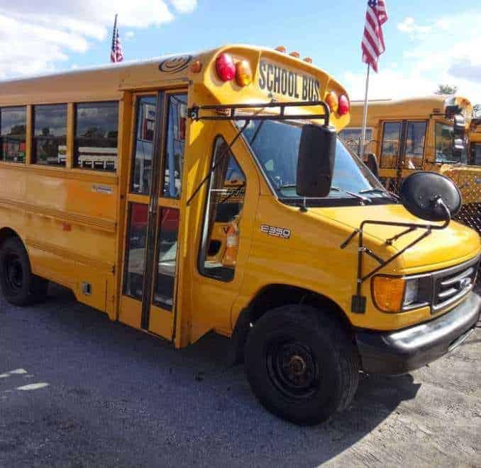 Importation de School Bus Américain