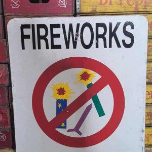 Panneau De Rue Et Parc De Ville Americaine Fireworks Rpohibited 76x61cm 3