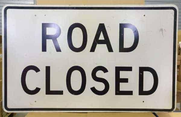 Panneau routier americain Road Closed