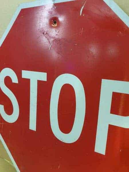 Panneau routier américain STOP
