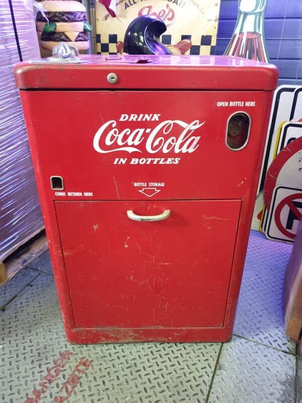 Vendo A23E Spin Top « The Coca-Cola Company »