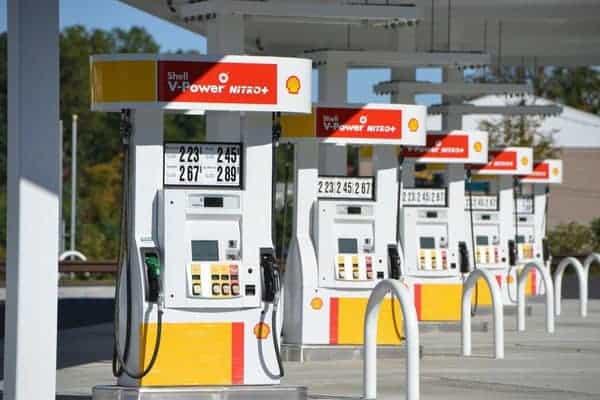 Porte de bas de pompe à essence de station service de la marque SHELL