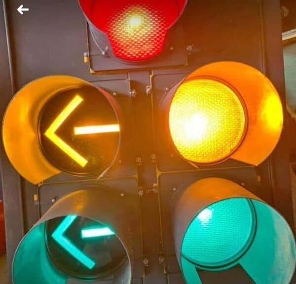 Feu tricolore américain câblés DogHouse 5 lumières
