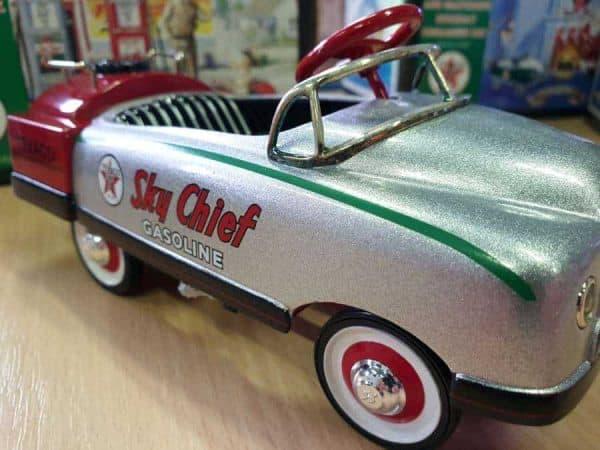 Texaco modèle réduit voiture à pédale 1948 BMC Sky-Chief
