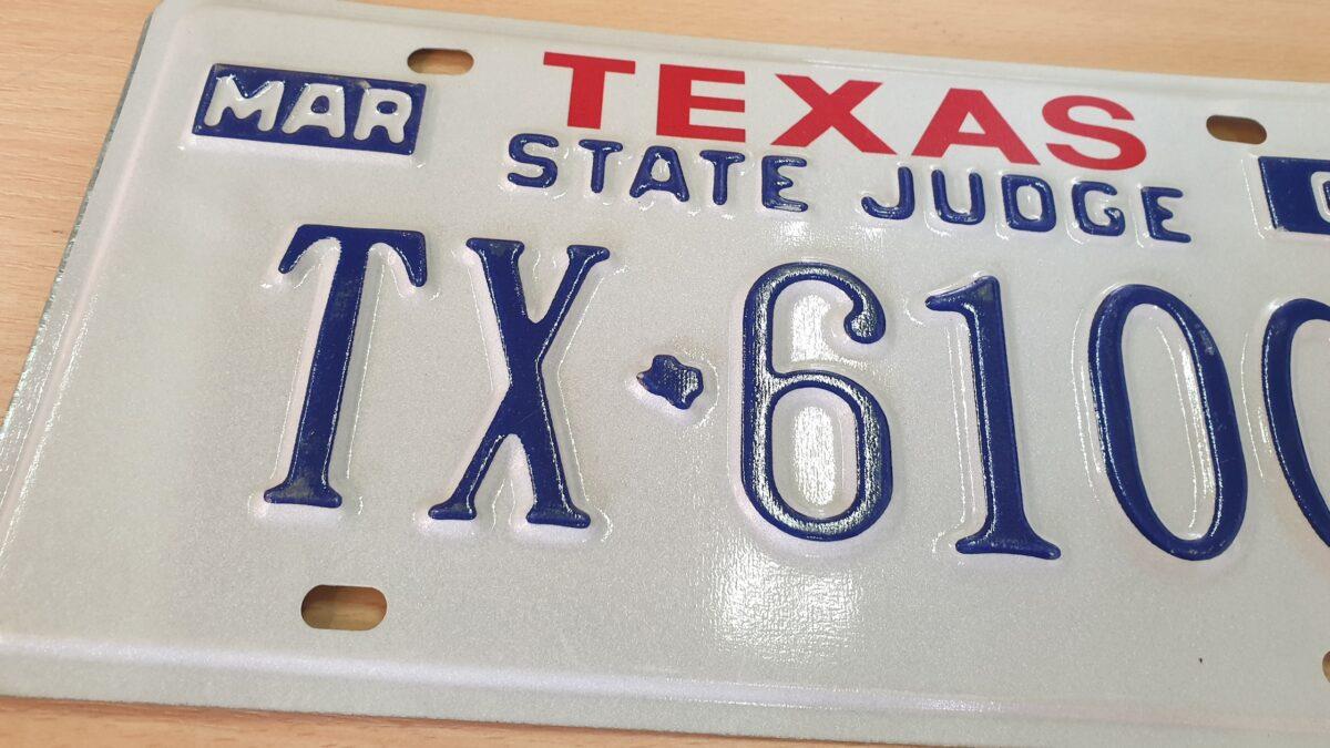 Plaque d'immatriculation authentique provenant de voiture americaine de collectionTexas_A3 State Judge