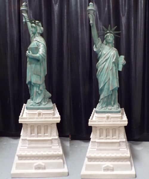 Statue De La Liberte Sur Base