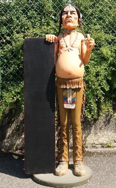 Statue à taille réelle en résine et fibre de verre Indien avec ardoise porte-menu Taille 1.70m