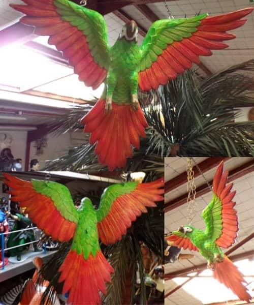 Perroquet Multicolore En Vol Animaux Taille Reele Pour Decoration Green