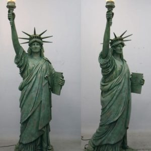 Grande Replique De La Statue De La Liberte