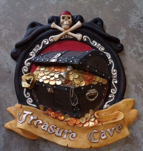 Moulage résine d'enseigne de Pub ou Taverne La Grotte au Trésor