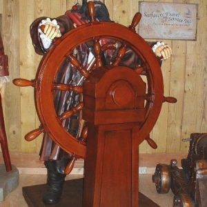 Pirate Capitaine Gouvernail Su P01 Statue Grandeur Nature Taille 2 Metre En Resine Et Fibre De Verre Location Achat