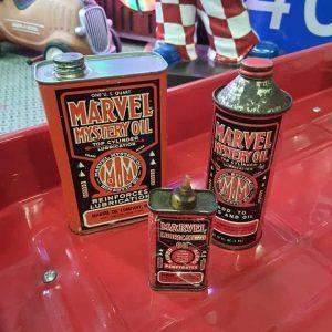 """Lot de 3 Bidons d'Huile Moteur de la marque MARVEL """"Mystery Oil"""""""