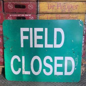 Panneau De Rue Et Parc De Ville Americaine Field Closed 76x61cm
