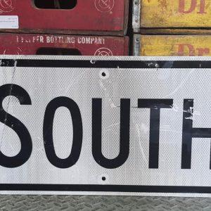 Panneau Routier Americain Authentique Et Vintage Direction South 61x30.5cm