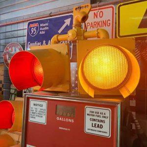 feu tricolore américain à 2 voies avec fixation et câblé jaune 3