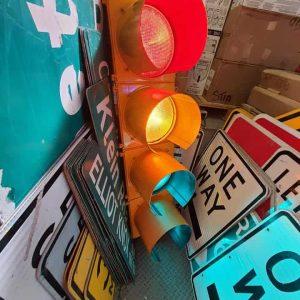 feu tricolore américain à 4 voies avec fixation et câblé jaune 6