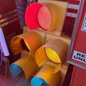 feu tricolore américain à 5 voies avec fixation et câblé jaune 4