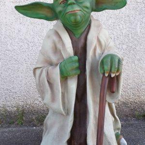 Statue de Maître Yoda Le sage Jedi de Star Wars