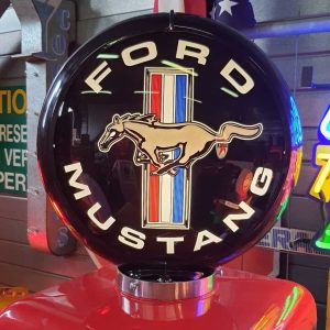 globe de pompe a essence americaine ford mustang emblem black 2