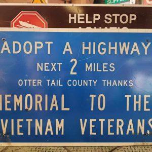 panneau de signalisation routiere americain adopt a highway next 2 miles memorial to the vietnam veterans 76x122cm
