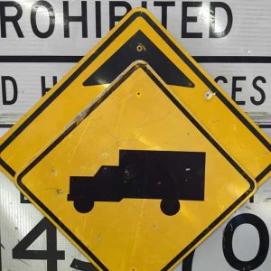 panneau de signalisation routiere americain avertissement truck 76x76cm