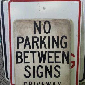 panneau de signalisation routiere americain no parking between signs driveway 61x46cm