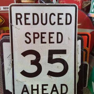 panneau de signalisation routiere americain reduce speed 35 ahead 91x61cm