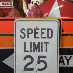 panneau routier americain de limitation de vitesse speed limit 25cracked 46x61cm