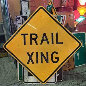 panneau de signalisation routiere americain trail xing 76x76cm