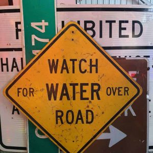 panneau de signalisation routiere americain watch for water over road 91x91cm