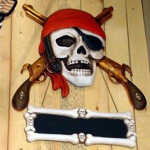 halloween tete de mort et pistolets avec ecriteau a fixer au mur