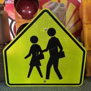panneau routier américain, zone pieton de couleur jaune réfléchissante 91x76cm