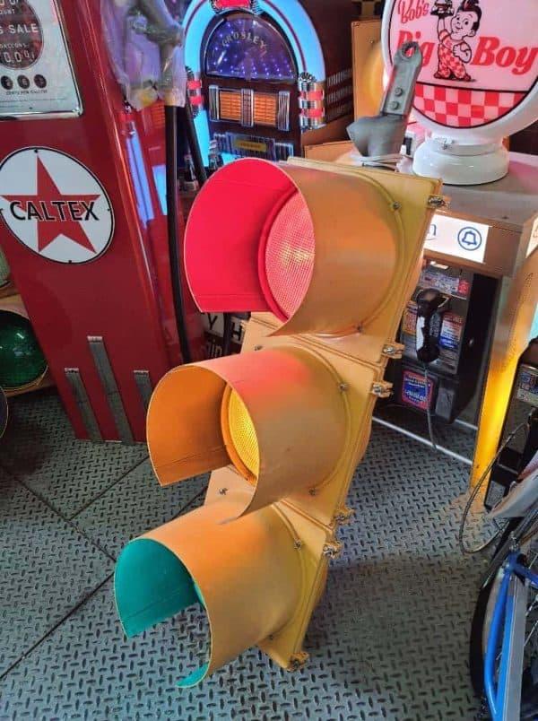 feu routier américain 4 120cm avec fixation plafonnier 1